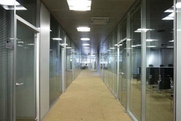 Cửa kính văn phòng hiện đại nhất