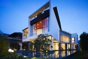 Thiết kế nhà hiện đại vách kính cường lực hai tầng sang trọng