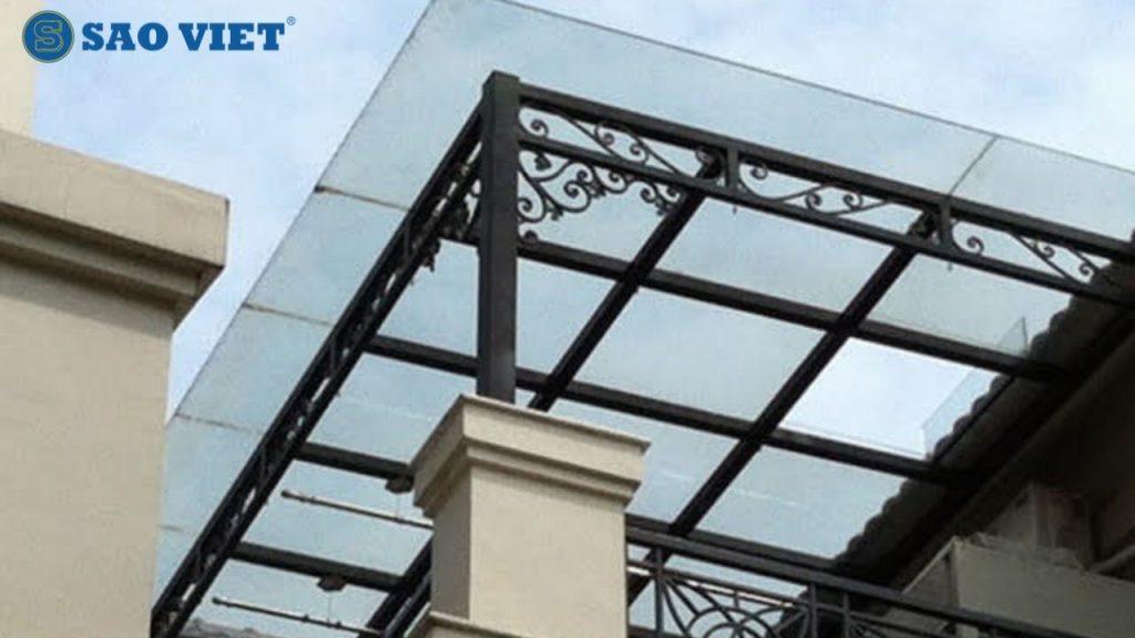 Mái kính biệt thự hiện đại với kiểu dáng đơn giản, khỏe khoắn