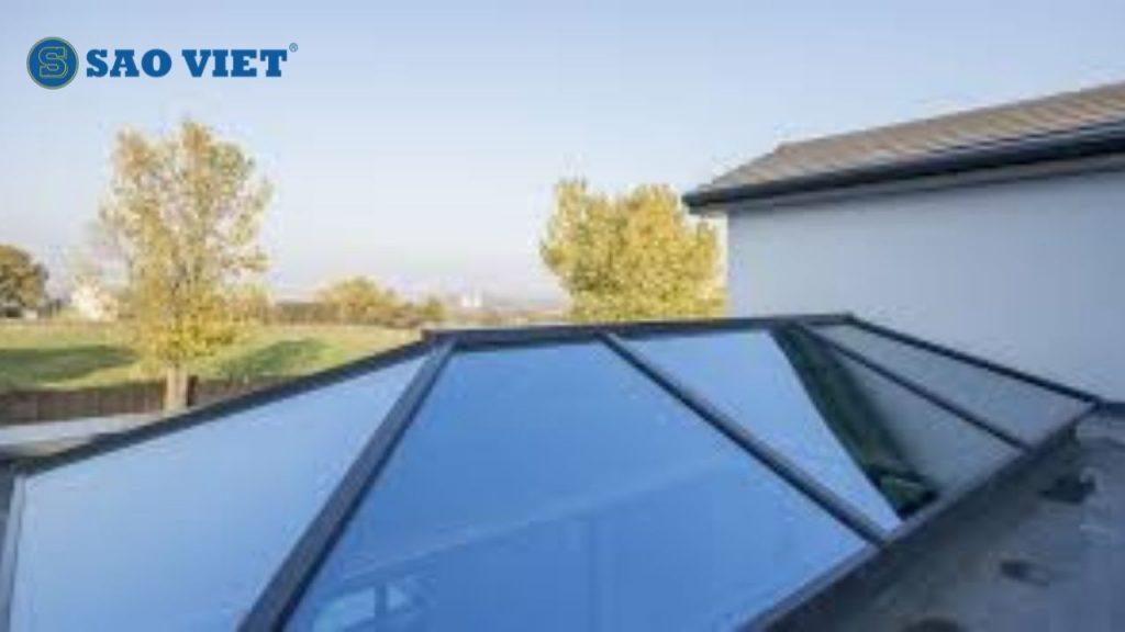 Một kiểu mái kính giếng trời được dùng nhiều nhất hiện nay